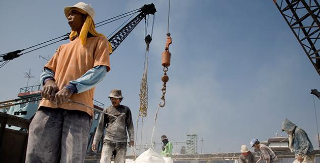 Satamatyöläisiä Indonesiassa