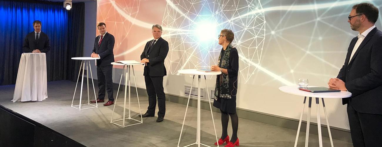 Paneelikeskusteluun osallistuivat ministeri Ville Skinnari, Saksan suurlähettiläs Konrad Arz von Straussenburg, Business Finlandin pääjohtaja Nina Kopola ja Saksalais-Suomalaisen Kauppakamarin toimitusjohtaja Jan Feller. Keskustelun juonsi Peter Nyman.